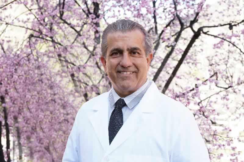Dr. Oliver Ahmadpour